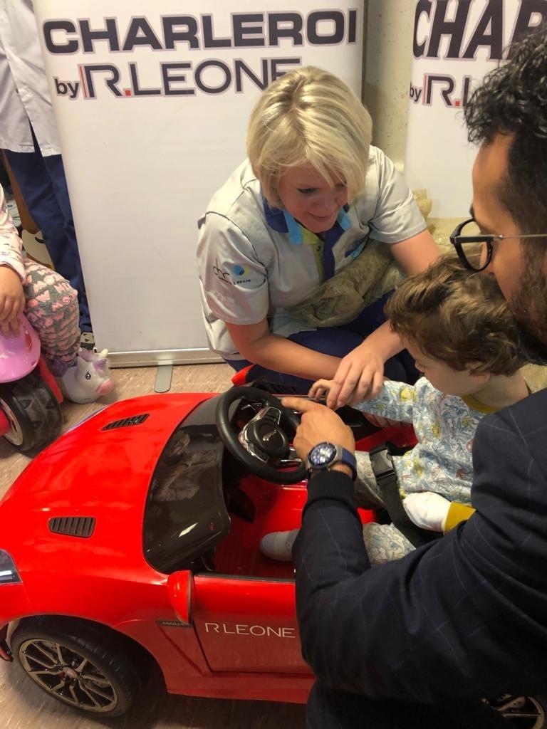 Une Jaguar électrique au service pédiatrique du CHR du Val de Sambre